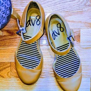 Dv8 by Dolce Vita Kass Mary Jane flats